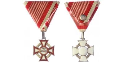 Vojenský záslužný kříž III. třídy s válečnou dekorací