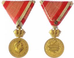 Vojenská záslužná medaile Signum Laudis