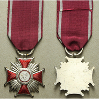 Stříbrný kříž za zásluhy RP, 1945 - 1952, bronz stříbřená, smalty, WB.112-B