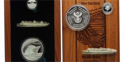 2 Rand a 2 1/2 cent 2011 v luxusní dřevěný etui, součastí je model lode v stříbřeve v