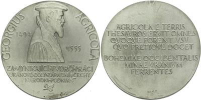 AE Medaile b.l. (1968) - Georgius Agricola, za vynikající tvůrčí práci v uranových do