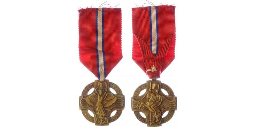 Československá revoluční medaile, těžký typ, podpis   VM.6C