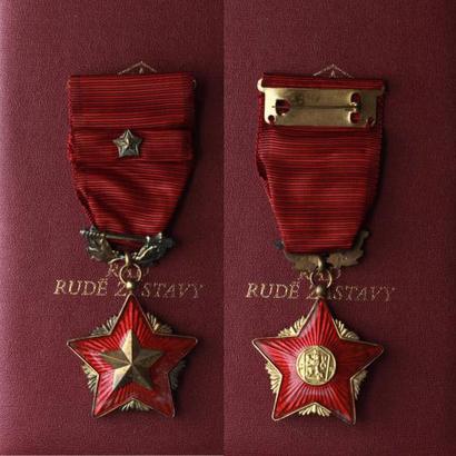 Řád rudé zástavy, II. vydání, stříbro zlacené, punc., číslo 903, mincovna Kremnica,
