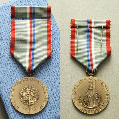 Pamětní medaile k 20. výročí osvobození Československa, VM.53, stužka, pův. etue