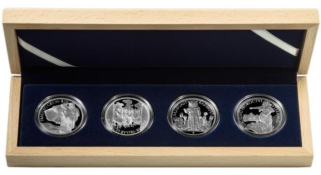 AR Medaile 2010 - Sada 4 kusů medailí se společným reversem - Památná místa české republiky, PROOF